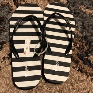NWT MICHAEL KORS MK Slip-on Slide Sandals 9